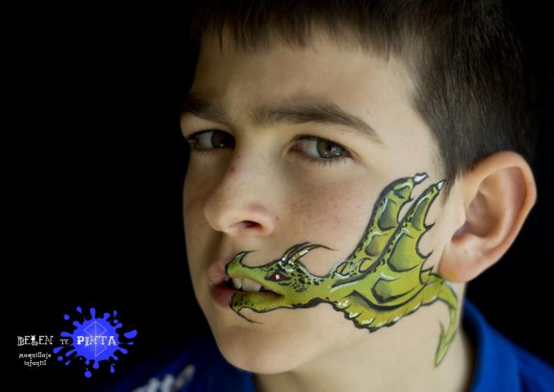 Face painting dragón
