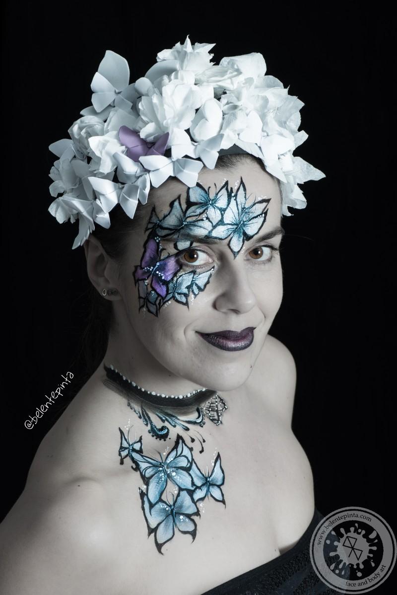 Maquillaje mariposas con tocado hecho a mano