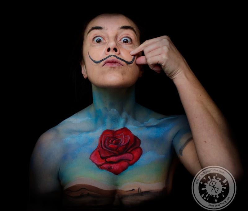 Body painting - Dali - rosa meditativa